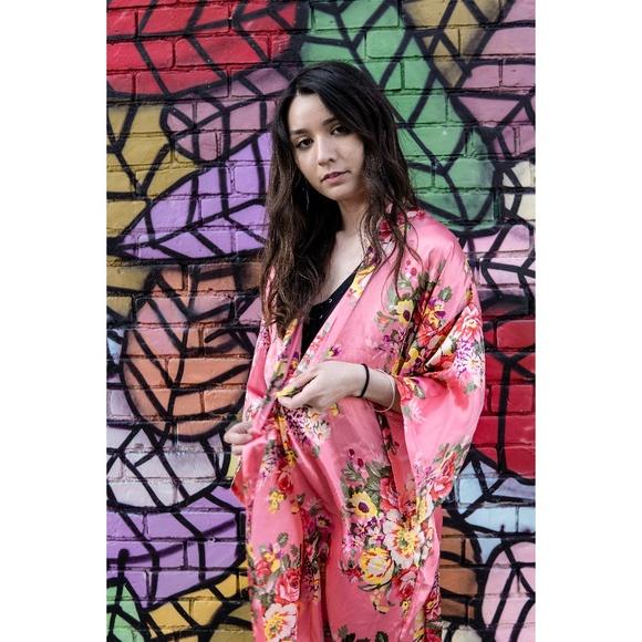 Other - Silky Floral Kimono Robe